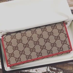 Gucci Supreme Canvas GG Logo red wallet